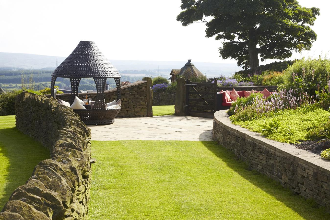 Spa Amp Gardens Smallshaw Farm Cottages Luxury Barn